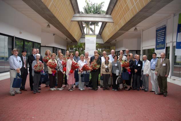 Rotarianos de Palo Alto visitam os programas educacionais da FRSP